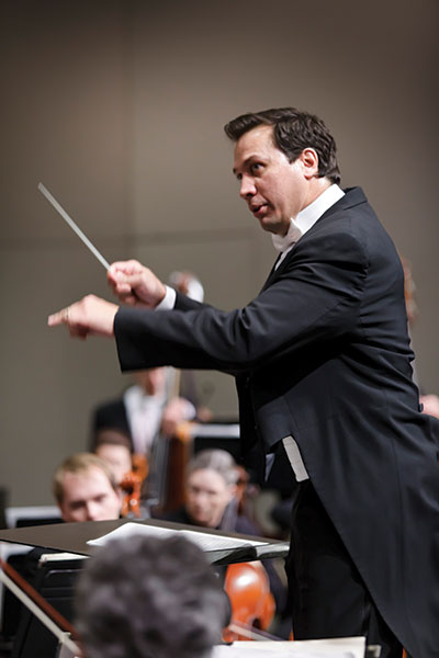 Daniel Hege conducts on June 21. Photo courtesy of Texas Music Festival.