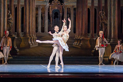 Ashley Lynn Sherman, Frank Shott and Artists of Ballet Austin in Sleeping  Beauty.  Photo by Tony Spielberg.