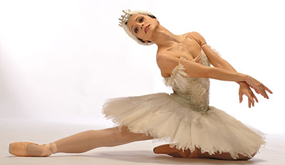 Leticia Oliveira in Texas Ballet Theater's production of Swan Lake. Photo by Ellen Appel.