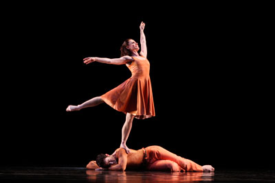 Paul Taylor Dance Company. Eran Bugge and Robert Kleinendorst in Esplanade. Photo by Paul B. Goode.