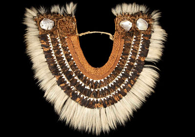 Unknown maker, Taumi Gorget, 18th century, coir, plant fiber, dog hair, shark teeth, mother-of-pearl and feathers, Hunterian Museum, University of Glasgow. Image © The Hunterian, University of Glasgow 2013.