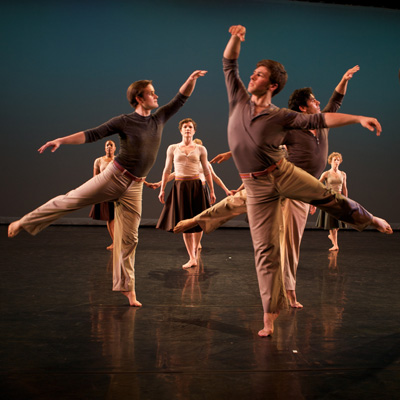 Mark Morris Dance Group in Festival Dance. Photo by Amber Star Merkens.