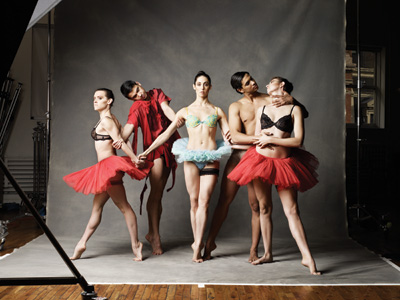 Stephen Petronio Company in Underland. Photo by Sarah Silver.