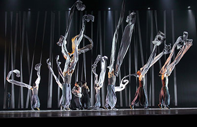 Members of Contemporary Dragon Kung Fu Company performing Gateway.  Photo by Li Huimin.