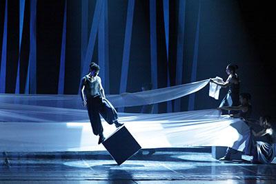 Members of Contemporary Dragon Kung Fu Company performing Gateway.  Photo by Li Huimin
