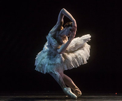 Samantha Lynch in Daniel Proietto's Cygne, Norwegian National Ballet. Photo by Amitava Sarkar.