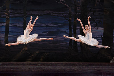 Jaquel Andrews and Kelly Myernick in the Houston Ballet production of Stanton Welch's Swan Lake, June 5-15.  Photo by Amitava Sarkar.
