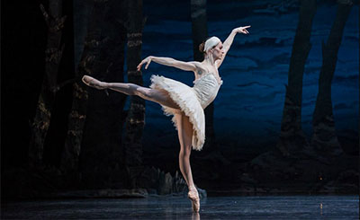 Sara Webb in Houston Ballet's production of Swan Lake Photo by Amitava Sarkar.