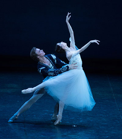 Houston Ballet first soloists Jared Matthews and Yuriko Kajiya. Photo by Tetsu Maeda.