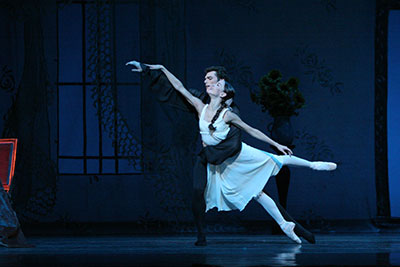 Amy Fote and Andrew Murphy in Houston Ballet's production of James Cranko's Onegin. Photo by Amitava Sarkar.
