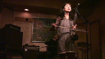 Vocalist Chie Mukai of Che-Shizu performs as part of Marfa Live Arts' Minor Musics Japan. Photo courtesy of the artist.