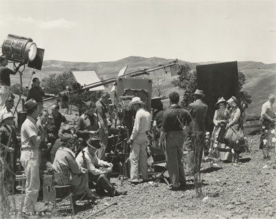Film crew for the cotton field scene. Image courtesy Harry Ransom Center.