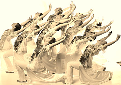 Ad Deum Dance Company. Photo by Visagephotostudio.com.
