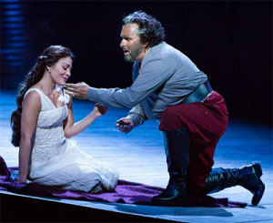 Simon O'Neill and Ailyn Perez in HGO's production of Otello. Photo by Lynn Lane.