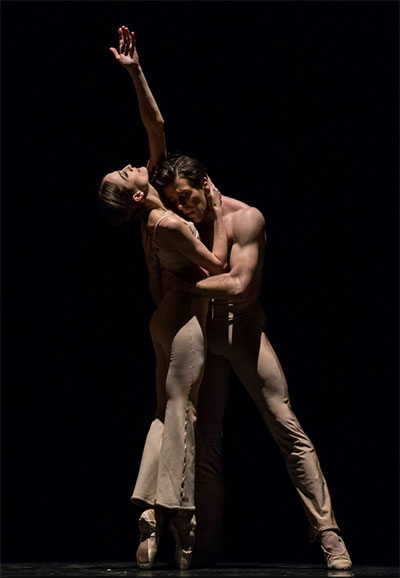 Connor Walsh and Julie Kent in Stanton Welch's Clear Photo by Amitava Sarkar.