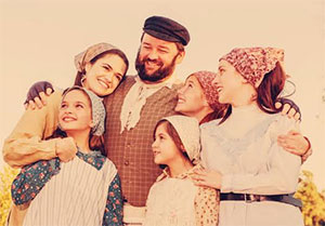 Playhouse San Antonio in Fiddler on the Roof. Photo by Siggi Ragnar.