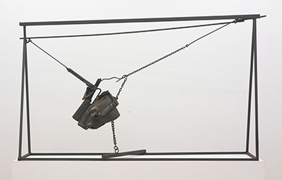 Melvin Edwards, Chaino, 1964 Welded steel and chains 62  x 102 x 26 inches (157.5 x 259.1 x 66 cm). Williams College Museum of Art, Williamstown, Massachusetts; Museum purchase. © 2015 Melvin Edwards / Artists Rights Society (ARS), New York. Photo: Jeffrey Sturges.