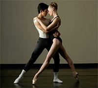 Ballet San Antonio Principal dancers Sarah Pautz & Jayson Pescasio Photo by Alexander Devora.