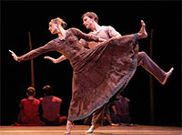 Kelly Myernick and Ian Casady in Nacho Duato's Jardi Tancat. Photo by Amitava Sarkar.