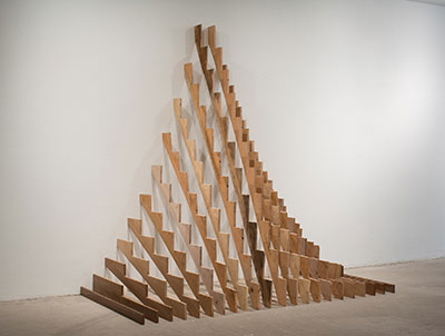 Juan Fernando Herrán, Progresión (Progression), 2011. Sculpture, 130 x 71 x 110 in.