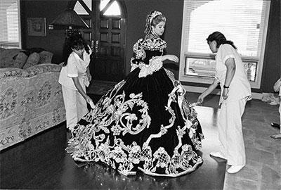 Laura Wilson, Debutante and Her Maids, Laredo, Texas, February 18, 1994 Gelatin silver print. © Laura Wilson