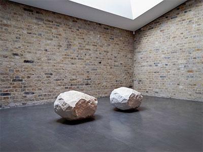 Giuseppe Penone, Essere fiume Being the River 2000. Carrara white marble 2 elements 48 x 75 x 63 cm each installation view, Whitechapel Gallery London 2012 photo © Archivio Penone