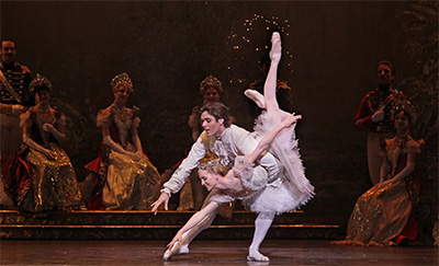 Houston Ballet Principals Connor Walsh and Sara Webb in Ben Stevenson's The Sleeping Beauty.