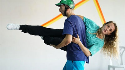 Yossi Berg and Olivia Court Mesa, Come Jump with Me, choreographed by Berg and Oded Graf. Photo by Gadi Dagon.