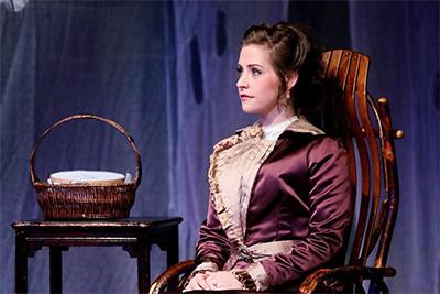 Shanae'a Moore as Nora.