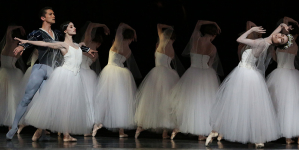 When Worlds Collide: Houston Ballet's new <em>Giselle</em> overlaps the worldly and the ethereal