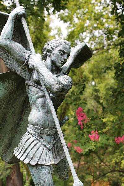 Charles Umlauf, St Michael & Lucifer, Courtesy UMLAUF Sculpture Garden & Museum, Credit Studio Uma.